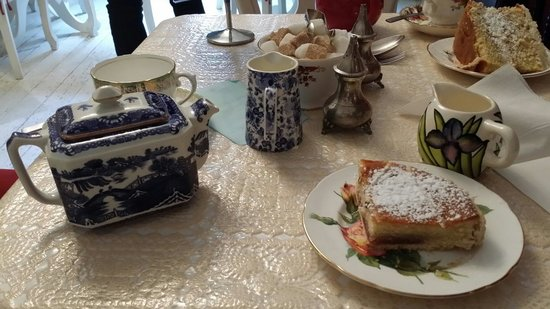 Lavender Tea Rooms: Bakewell Tart in the foreground.
