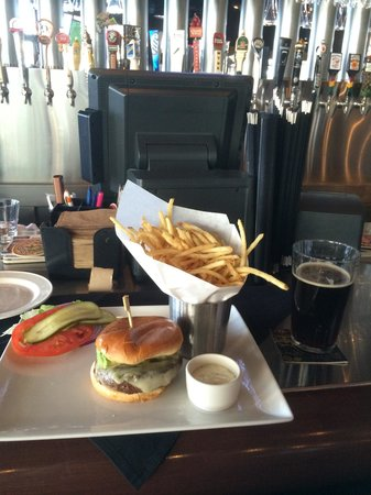Yard House: My yummy meal before the movies. Lunchtime heaven.