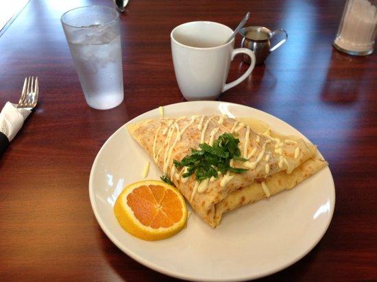 MeMe's Cafe: Traditional Breakfast