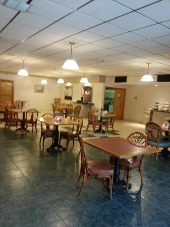 Quality Inn & Suites: Our Dining Room