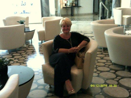 The Palace : Hotel Lobby