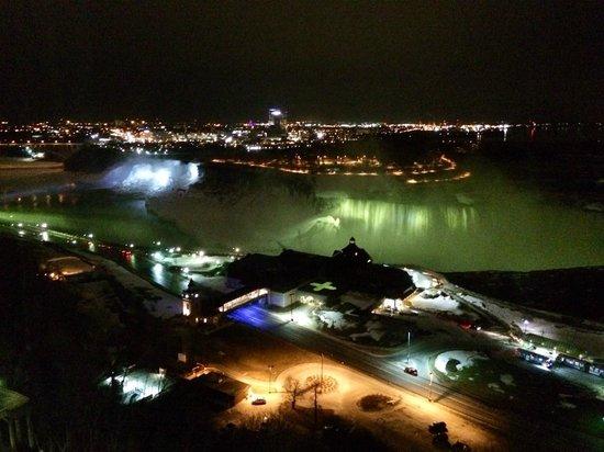 Niagara Falls Marriott Fallsview Hotel & Spa : Falls at Night