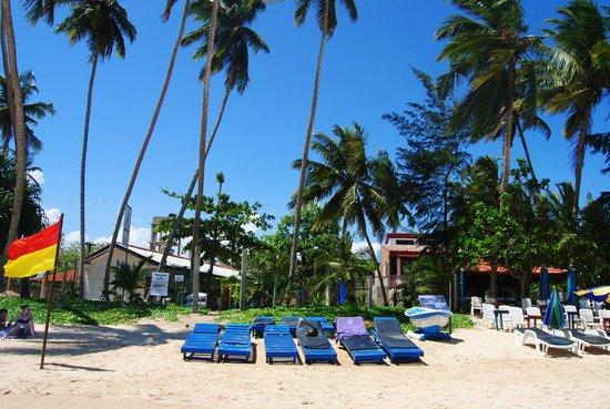Sira's Chalets Mirissa: Spiaggia
