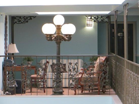 Comfort Inn Midtown: Salottino al piano