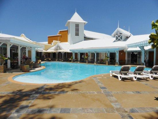 Preskil Beach Resort: La piscine