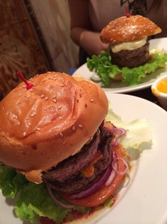 Bistro Burger Montorgueil : Énormes