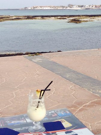 Cantante Cafe: Lovely view with a piña colada