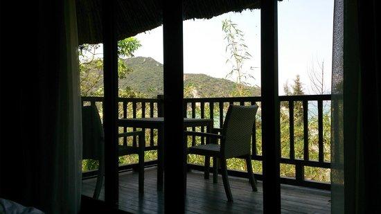 L'Alyana Villas Ninh Van Bay: hill rock villa 29 view from bedroom (upper level)
