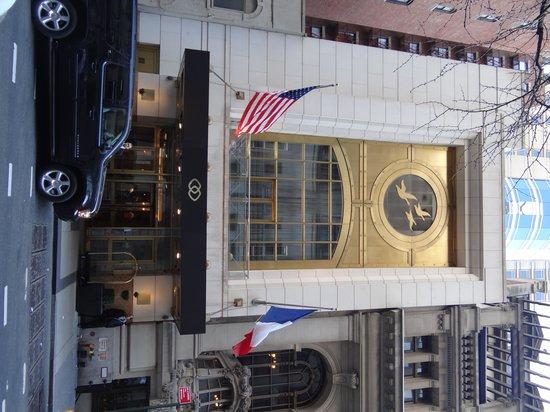 Sofitel New York: Sofitel entrance