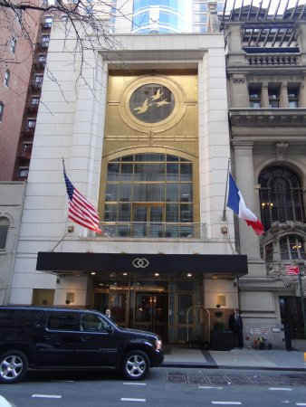 Sofitel New York: Sofitel entrance