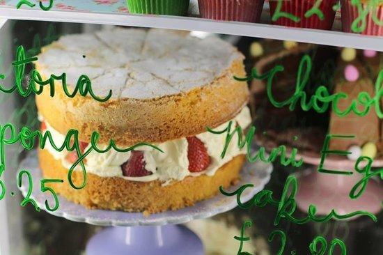 Fantastic Victoria Sponge at Tea on the Green
