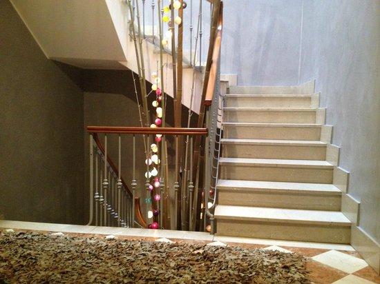 Il Vicolo Residence Aparthotel Verona: Vano scala