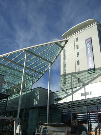 Holiday Inn  Express Hull City Centre: Great for shopping at St Stephens