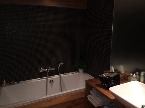 La Ferme des Lombardes: Salle de bain