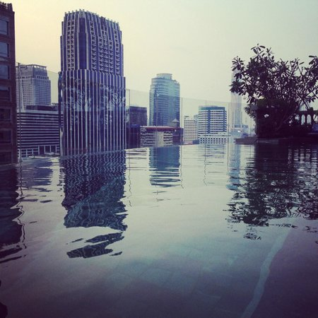 Hotel Muse Bangkok Langsuan - MGallery Collection: A dip amongst the skyscrapers.
