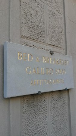 Bed and Breakfast Galileo 2000: Eingang Piazza di San Firenze