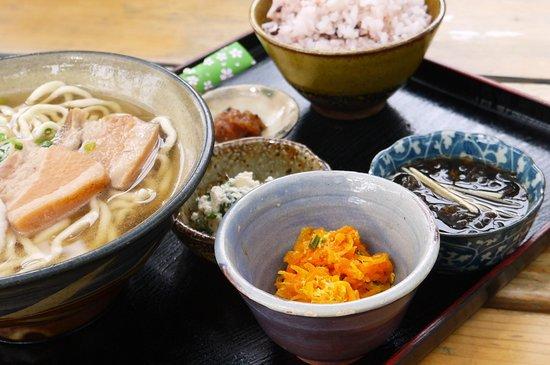 Makabe China: 昔からのお味