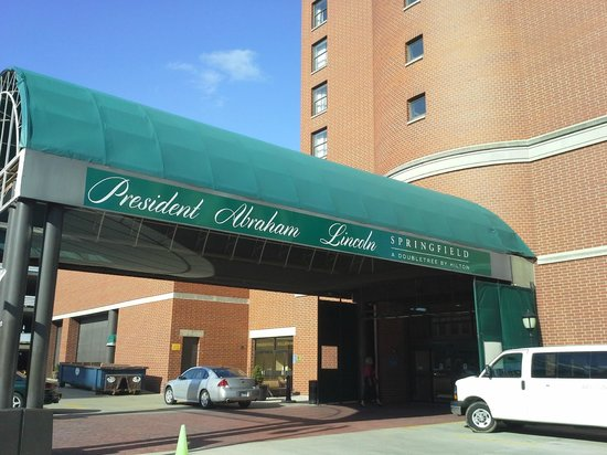 President Abraham Lincoln Springfield - a DoubleTree by Hilton Hotel: Valet and Self-Park entrance
