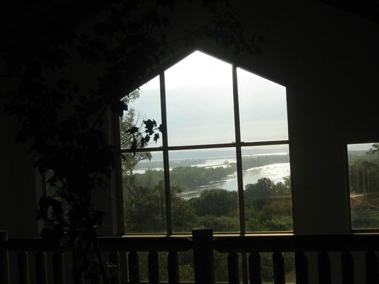 Missouri River Basin Lewis and Clark Interpretive Center: Indoor Missouri River View