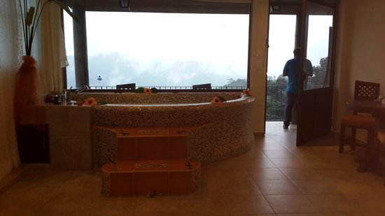 Yumbo Spa and Resort : Habitación con jacuzzi