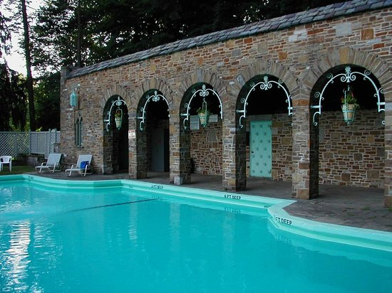 The Inn at the Beeches: Outdoor Pool