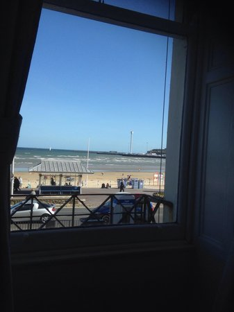 Weymouth Beach B&B : Lovely sea view from room 10