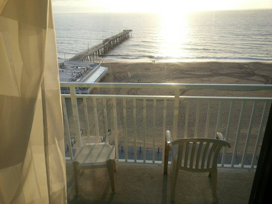 Best Western Plus Sandcastle Beachfront Hotel: View from our room