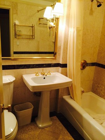 Hotel Elysee by Library Hotel Collection : Bathroom
