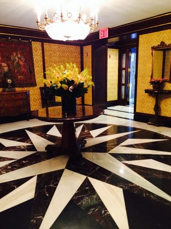 Hotel Elysee by Library Hotel Collection : Lobby
