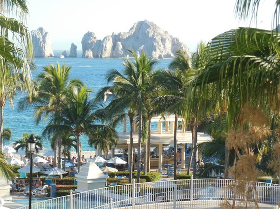 Hotel Riu Palace Cabo San Lucas : View from our room-awesome!