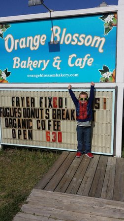 Orange Blossom Bakery: Sign in front