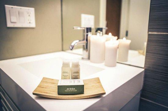 Nuvo Hotel Suites: Aveda Amenities in Bathrooms