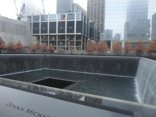 Mémorial du 11-Septembre : cascata