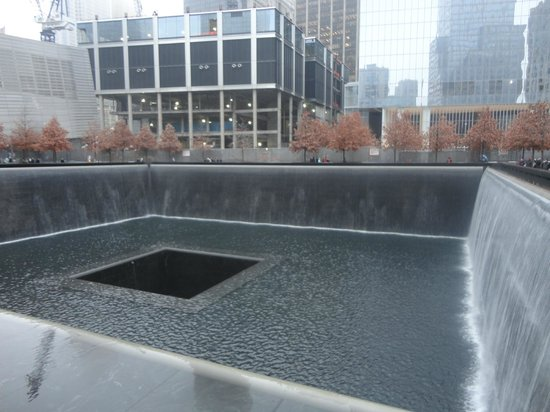 Mémorial du 11-Septembre : cacasta memorial