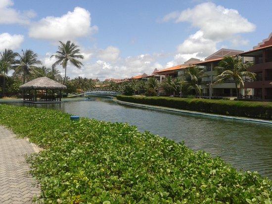 Aqua Ville Resort : Rio que circula todo o hotel.