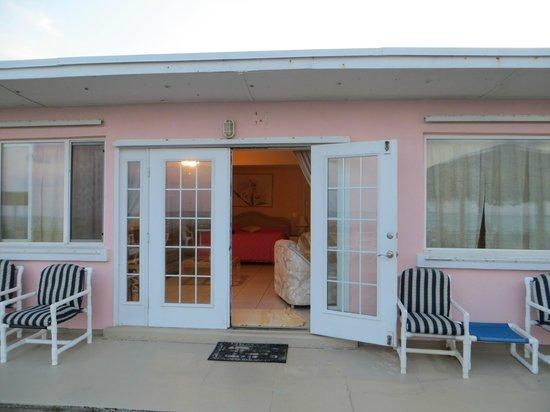 Sea Scape Motel - Oceanfront Getaway: ingresso alla suite