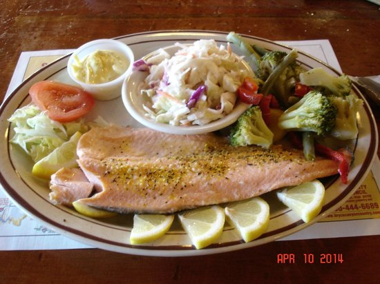 Bryce Canyon Pines: Delicious trout dinner