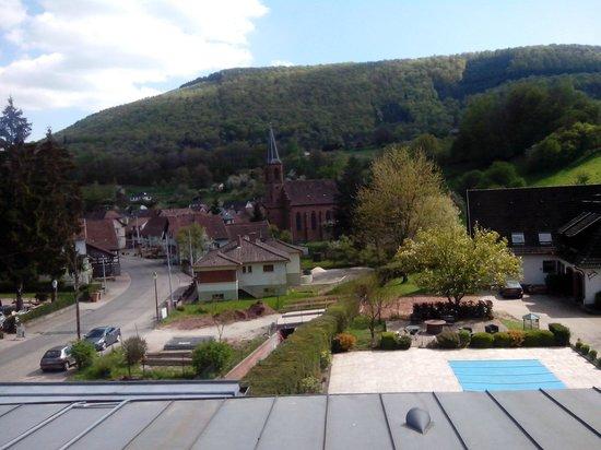 Hotel Restaurant Cheval Blanc : vue de notre chambre