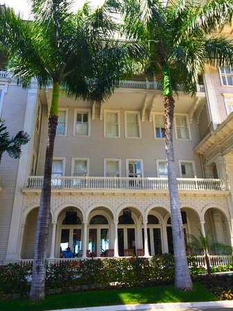 Moana Surfrider, A Westin Resort & Spa: The lovely old bit.