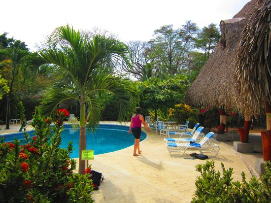 Hotel Casa Romantica: Pool area and rancho