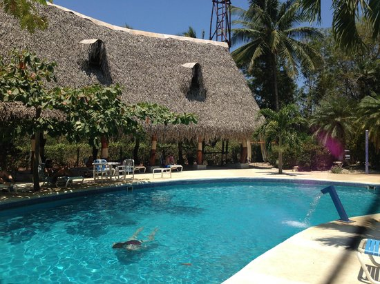 Hotel Casa Romantica: Pool and rancho