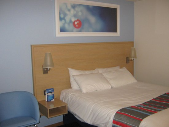Travelodge Reading M4 Westbound: New beds