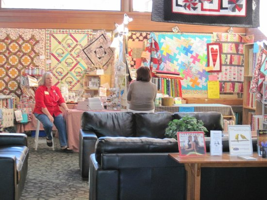 Ramada Cedar City : Annual Quilters Retreat at the Hotel