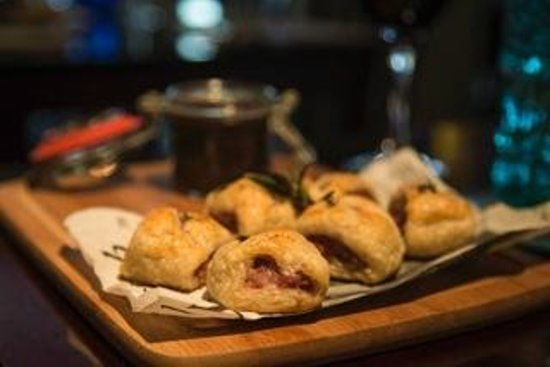 The Alexandra: Sausage Roll Bites