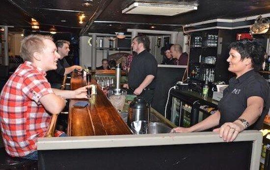 Hemne Hotell: Pub
