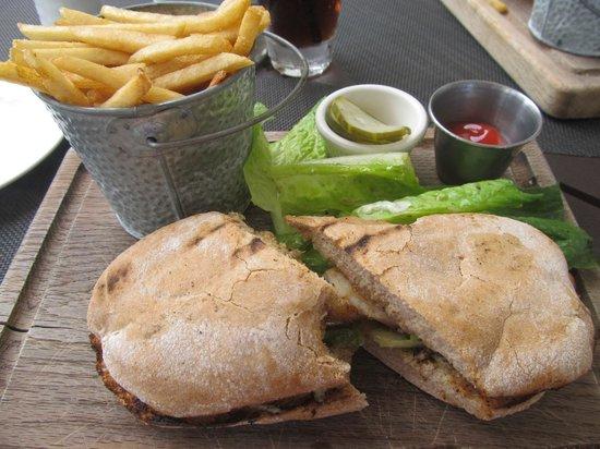 The Vix Bar & Grill: Blackened Grouper Sandwich