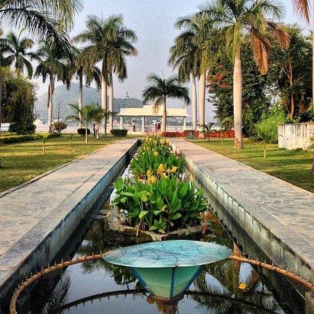 Nehru Park: Lago principal