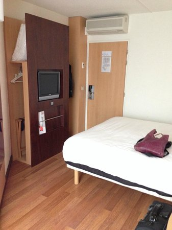Ibis Antwerpen Centrum: Room