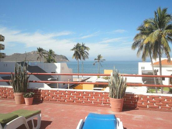 Mariana Beach Apartments & Hotel: En la terraza