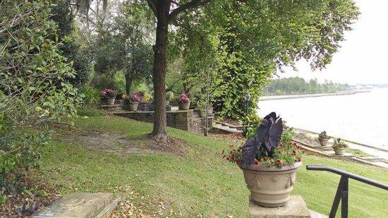 Bellingrath Gardens and Home: Waterway